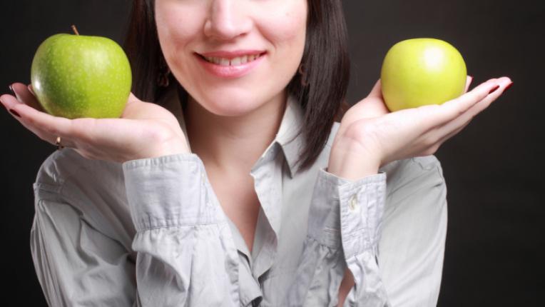 ябълки ябълка жена