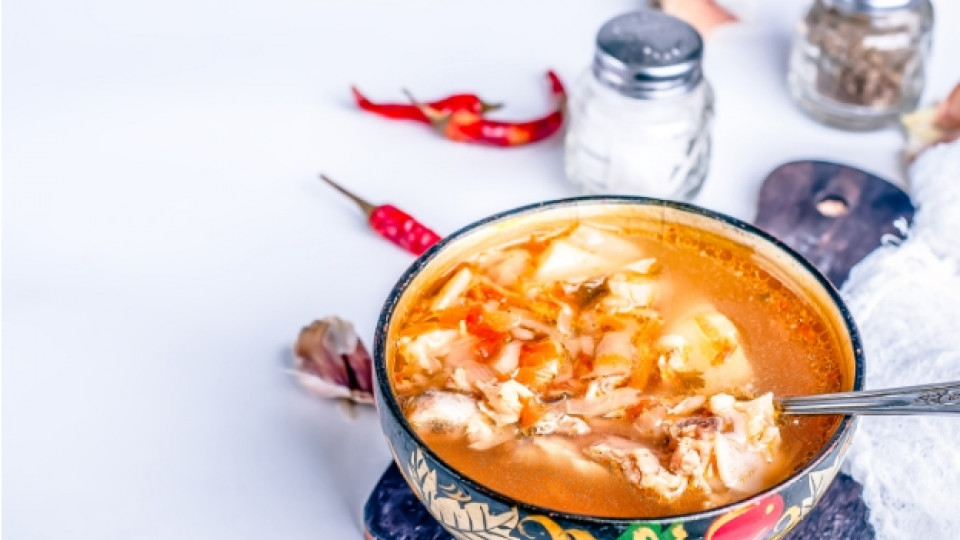 Супа от кисело зеле и леща