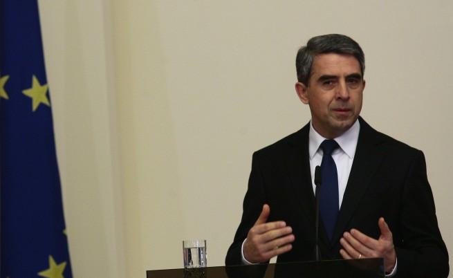 България ще се погрижи за 12 хил. бежанци, отчете Плевнелиев