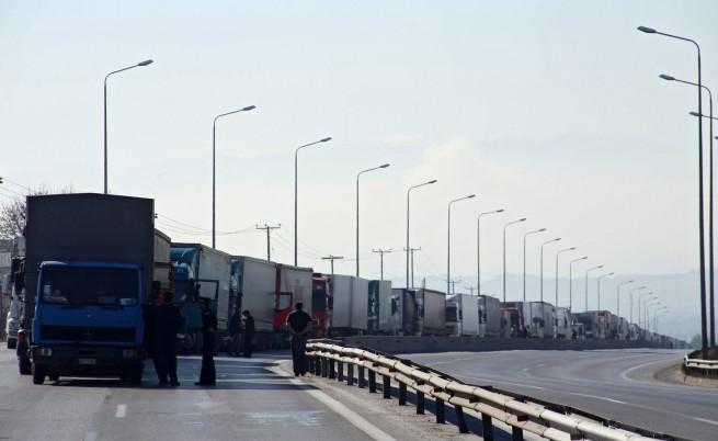 Гръцкият бизнес заплашва да избяга в България