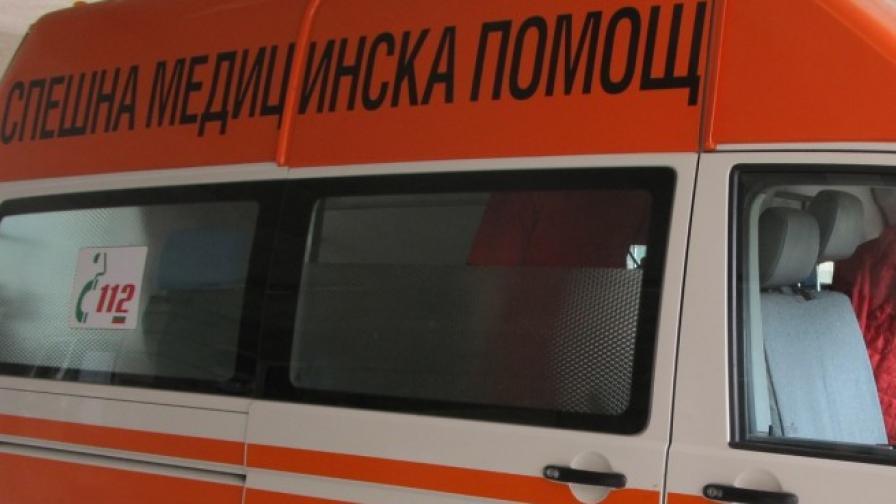 Градски автобус катастрофира в Смолян, на шофьора му прилошало