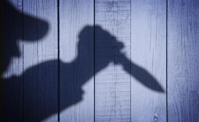 Защитаваш жена си от психично болен – съдят те