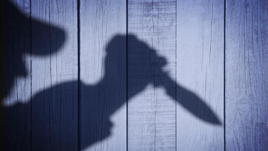 Българин нападна с нож италианска полицайка