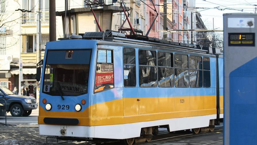 Слагат електронни бариери на трамвайни спирки