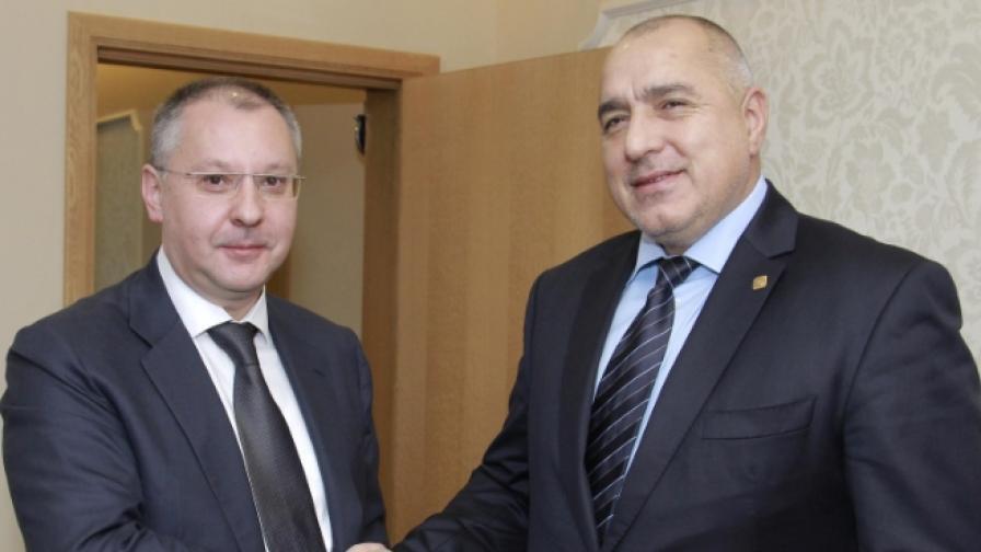 Бойко Борисов говори със Сергей Станишев за мигрантската криза