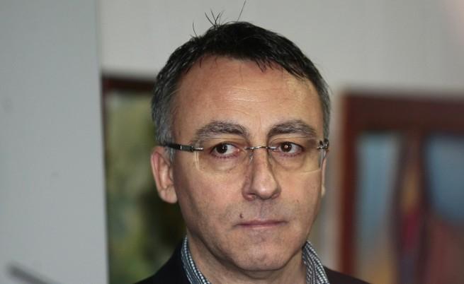 """Стаматов: Българчетата са неграмотни заради """"Фейсбук"""""""