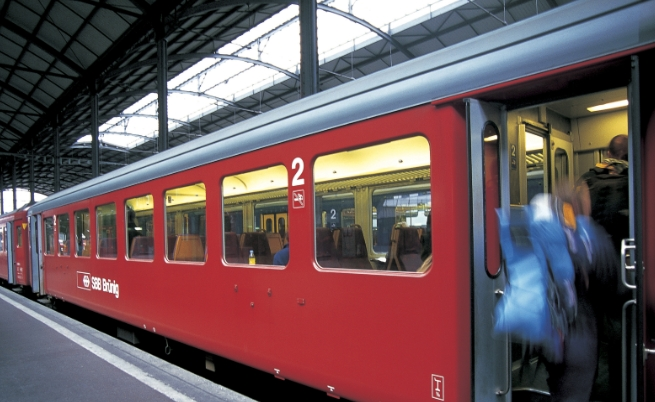 Момиче с тежки изгаряния заради селфи на влак