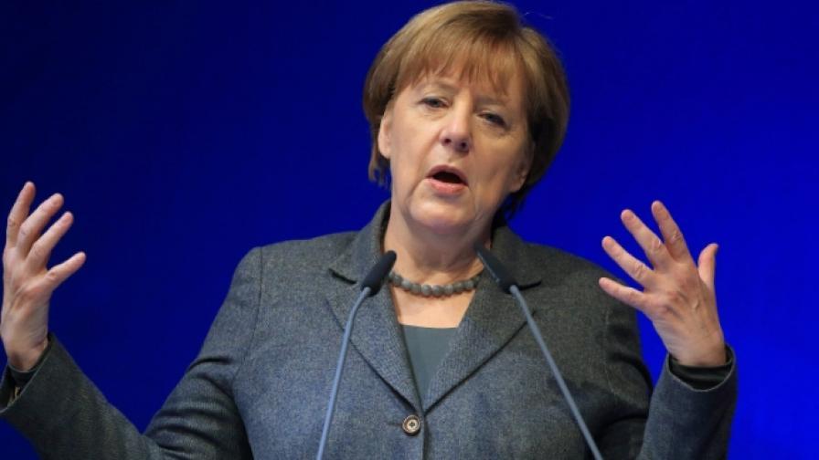 """Сп. """"Шпигел"""": Планът на Меркел за бежанците разединява Европа"""