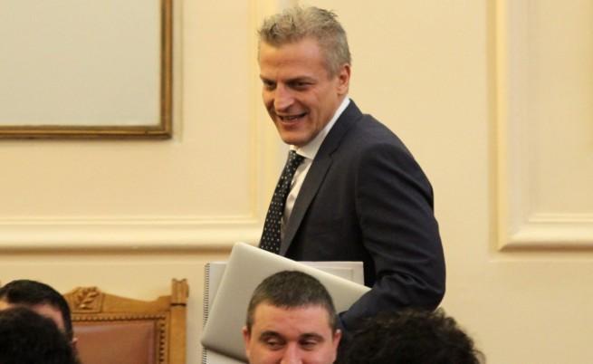 Министър Петър Москов в народното събрание
