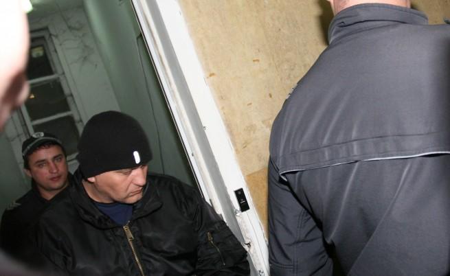 """Съдът остави трима от биячите на """"Околовръстното"""" в ареста"""