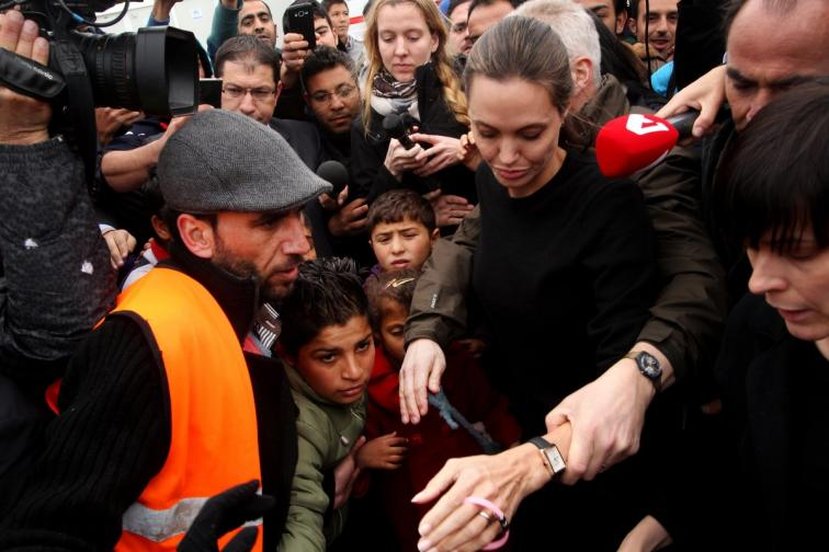 Анджелина Джоли в Пирея