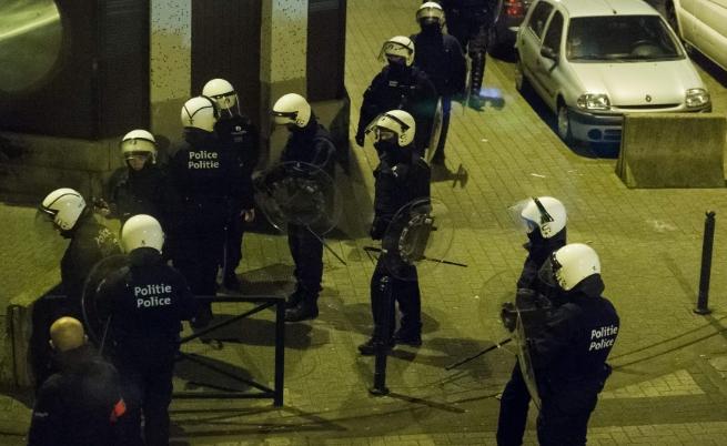 След терора: Намериха бомба, химикали и знаме на ИД