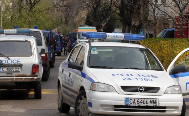 Момчета убиха дядо за 120 лв., почернено село се въоръжава