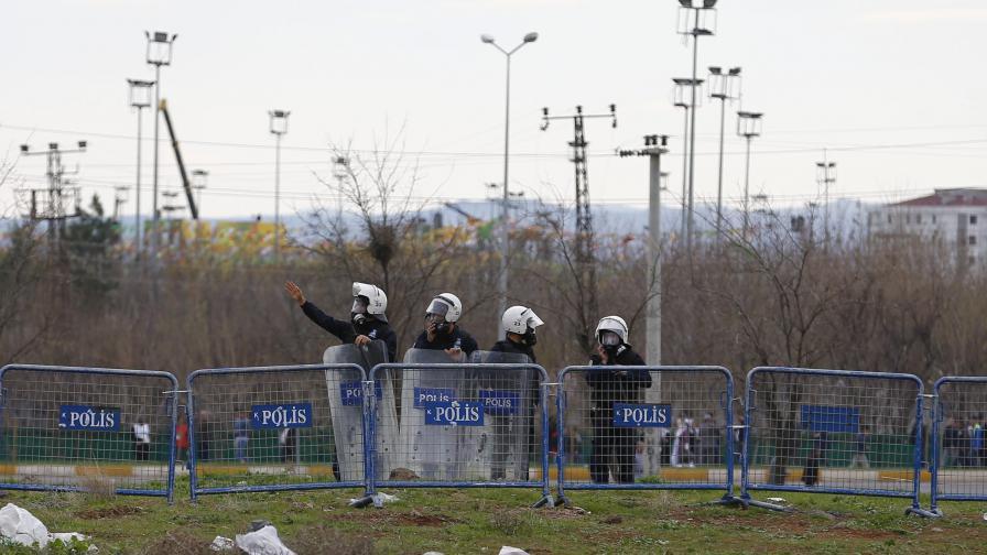 Десетки убити и опасност от нови атентати в Турция