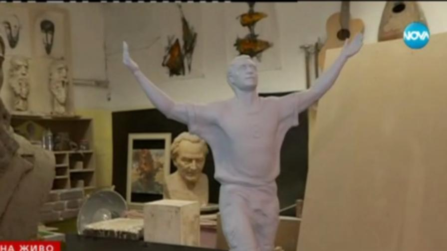 Скандал със статуя на Христо Стоичков