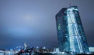 Парите в брой се завръщат в Европа