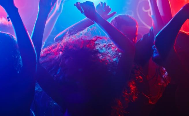 Рискът от смърт по време на парти с танци е 1 към 100000.