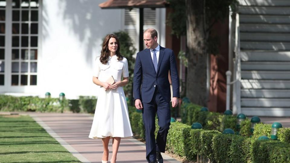 Кейт и Уилям са на посещение в Индия