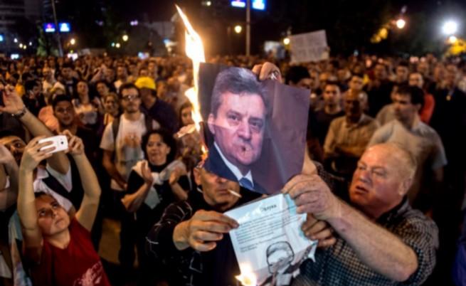 Сблъсъци в Скопие, има ранени журналисти