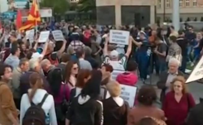 Политическата криза в Македония се задълбочава