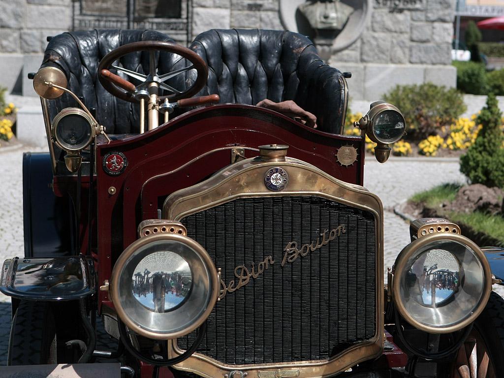 Парад на ретро автомобили в Сливен