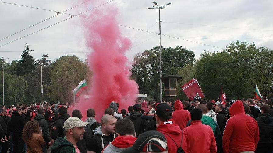 Дрогирани, пияни и ранени след мача ЦСКА-Берое