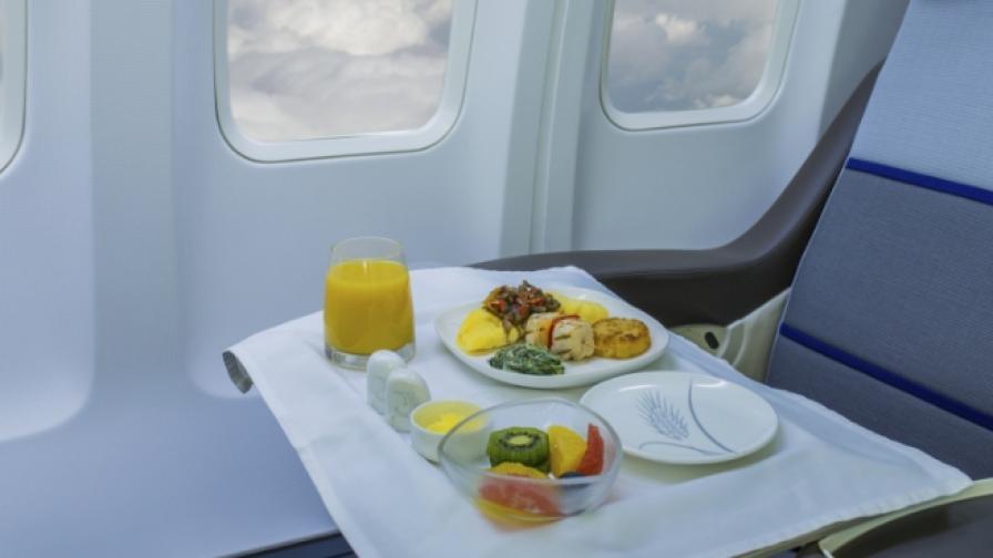 Вижте кои са най-скъпите ястия, предлагани в самолет