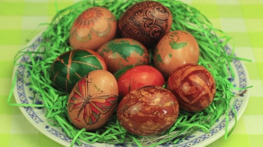 Интересни идеи за украсяване на великденски яйца