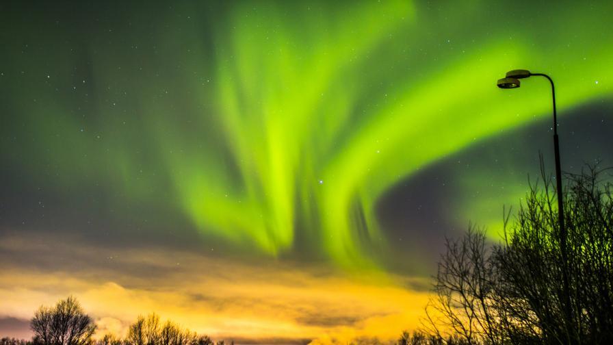 Видео: Как изглежда северното сияние от космоса