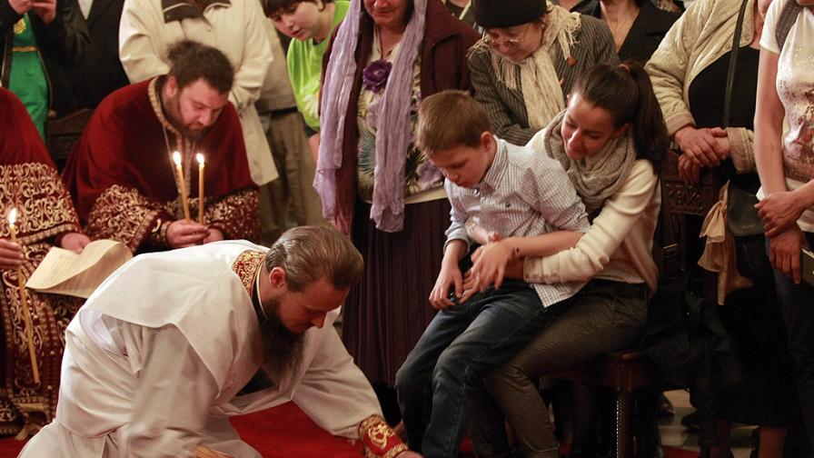 Кой е Дионисий - лошото момче на българската църква