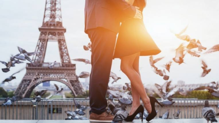 любов двойка Париж