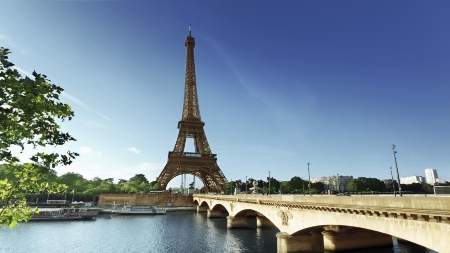 Маските стават задължителни и на открито в Париж