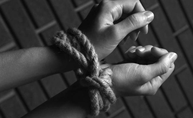 Българче на 3 г., малтретирано и изоставено в Гърция