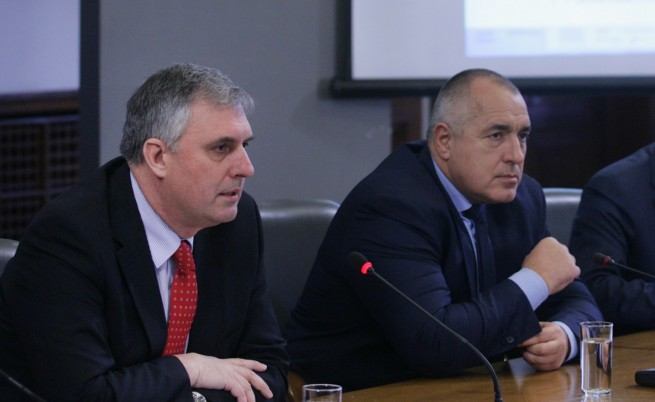 Калфин подаде оставка, идват ли предсрочни избори