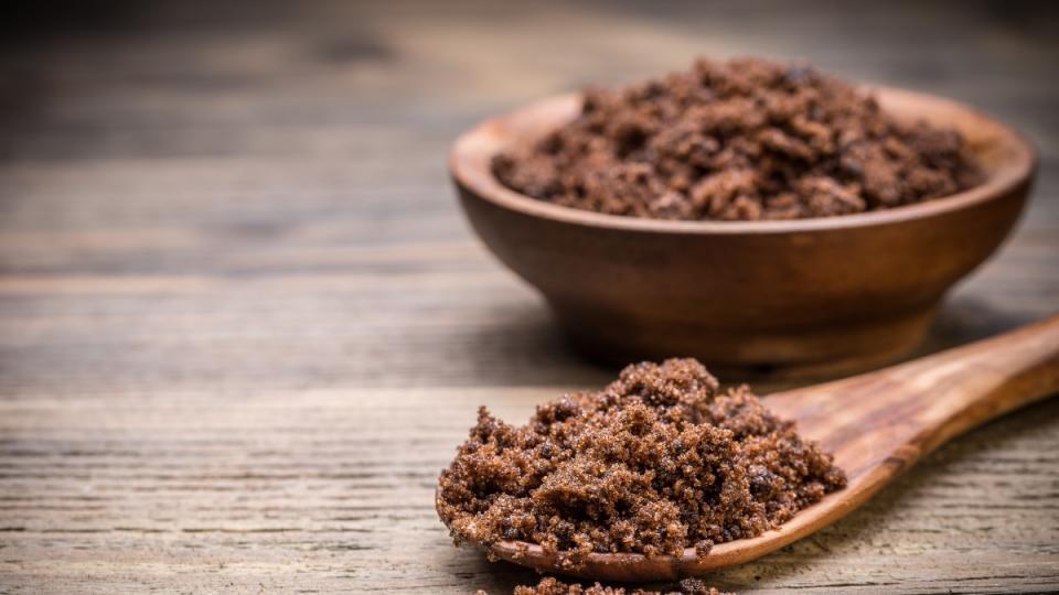 Как да да разберем дали кафявата захар, която купуваме, е истинска?