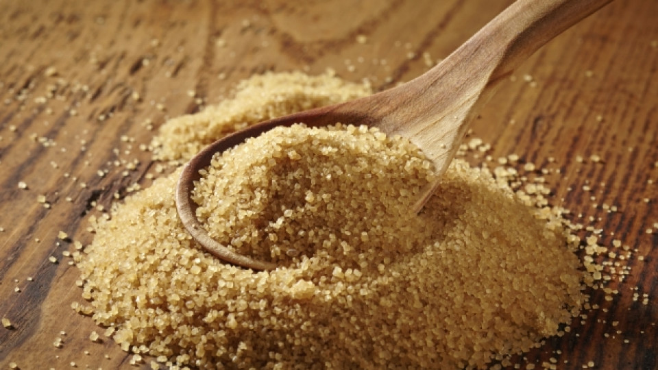 Защо трябва да изхвърлите бялата захар и да си вземете кафява