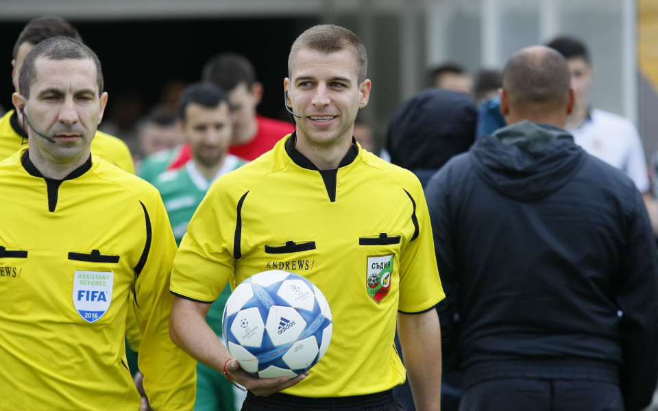 Стефан Апостолов на Ботев Враца - Левски, Вълков на ЦСКА - Дунав