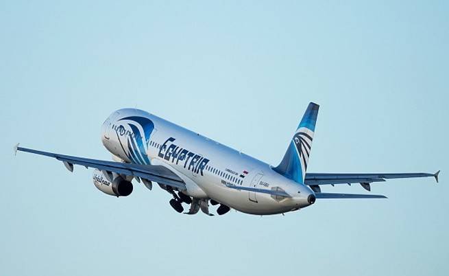 "Изчезна самолет на ""EgyptAir"" с 66 души на борда"