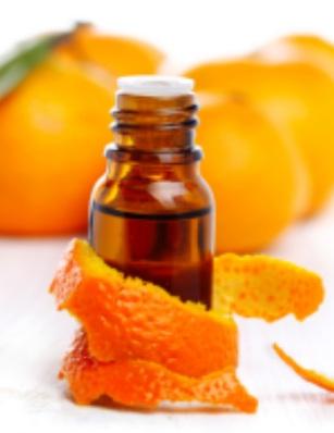Много често етеричните масла предизвикват алергични реакции, колкото и безобидни да ни се струват тези живителни и благовонни течности