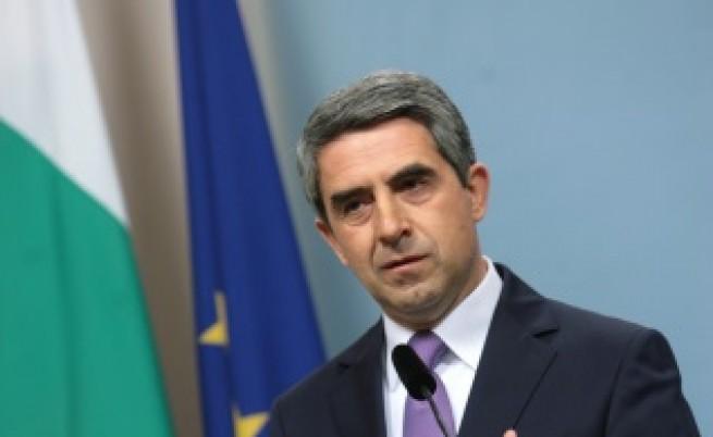 Плевнелиев сезира съда за 3 от въпросите на референдума