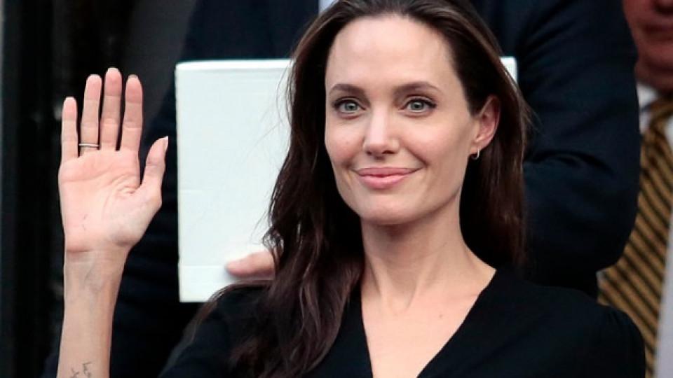 Анджелина Джоли с нова неочаквана професия
