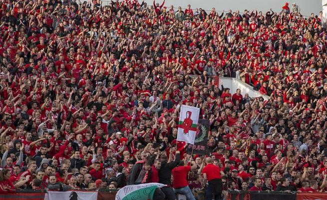 Феноменална червена публика, голяма радост