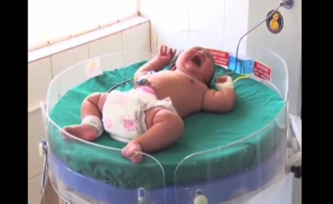 Роди се най-тежкото бебе в света