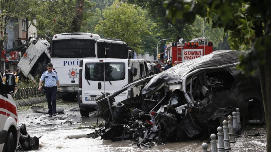 Атентат в Турция, три жертви