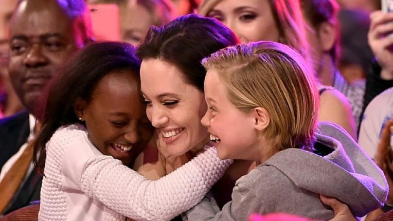 Анджелина Джоли деца