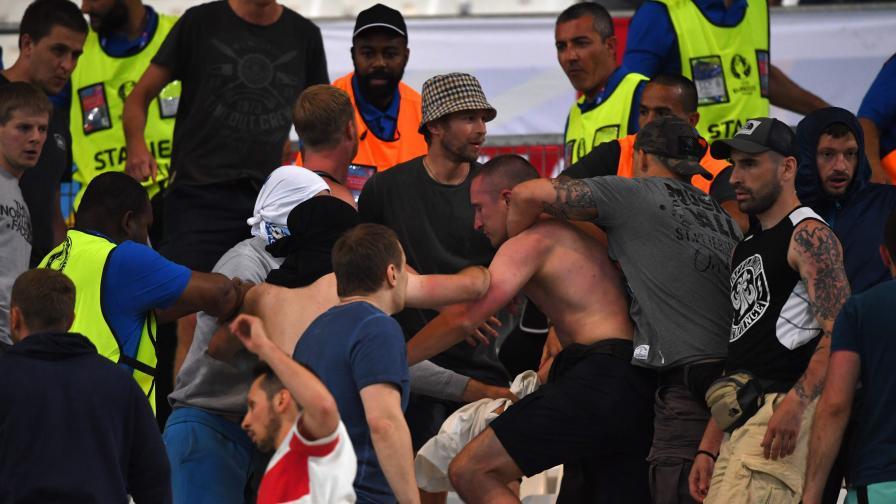 """Руски ултраси обещават на англичаните """"фестивал на насилието"""""""