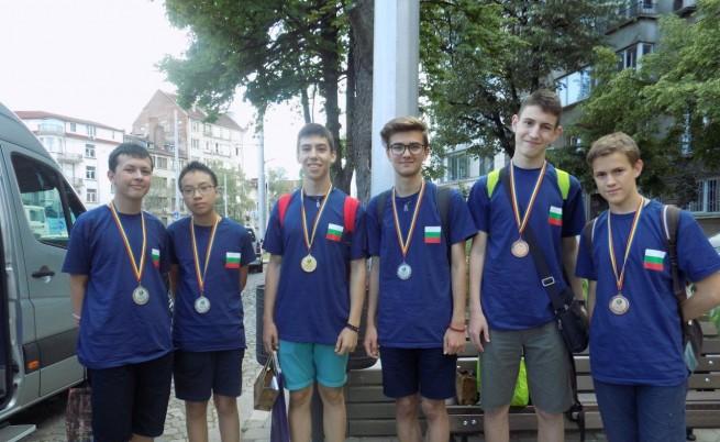 Шест олимпийски медала по математика за България