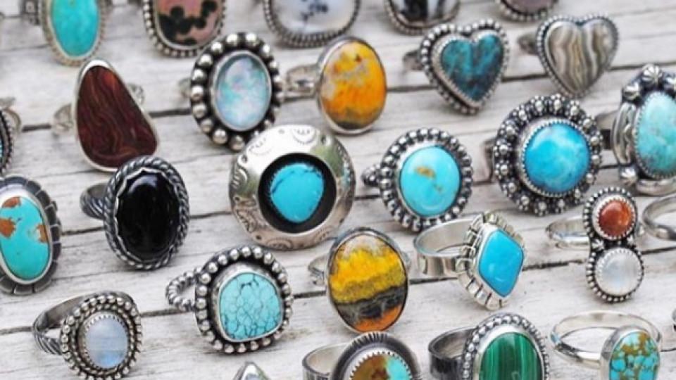 Кой е твоят скъпоценен камък според месеца на раждане?
