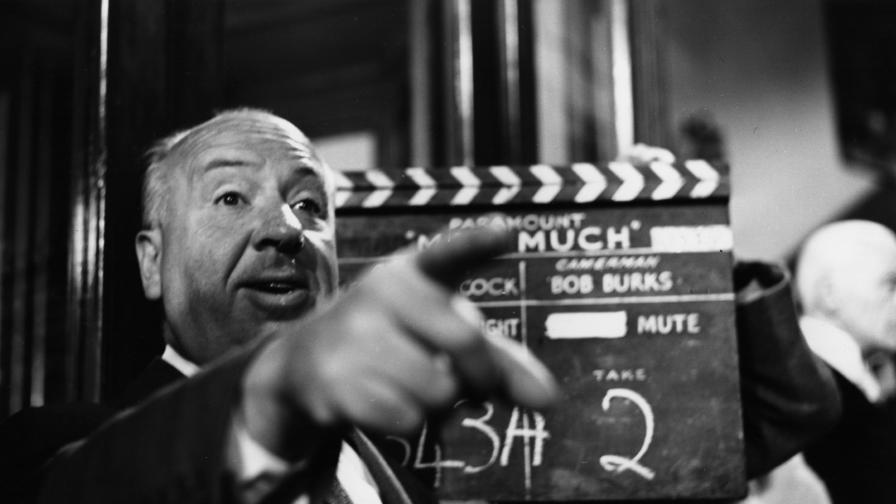 Сър Алфред Джоузеф Хичкок е английски кинорежисьор, продуцент, сценарист, създател на много от похватите в жанра на психологическия трилър. Неговите творби са известни със своите ярки изображения на насилие, въпреки че много от сюжетите всъщност служат за примамка и са инструмент, чиято цел е разбирането на многопластови психологически образи.