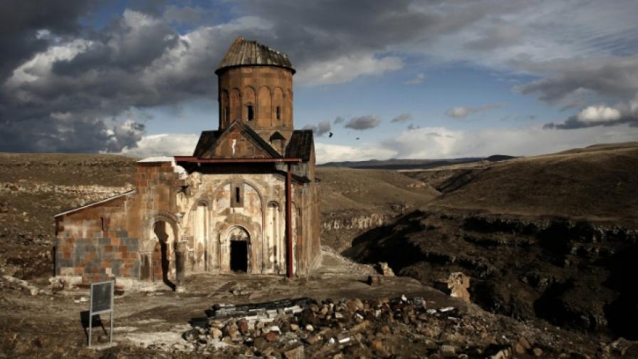 Разрушеният арменски град Ани в Турция